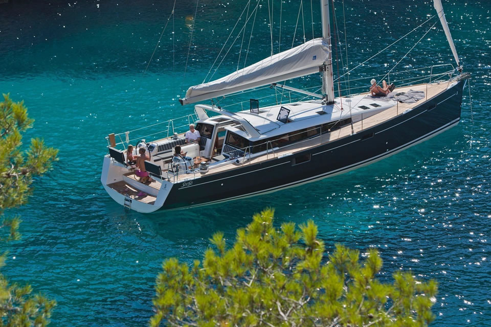 luxury greece yacht charter sailing holiday destination