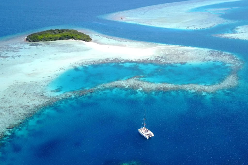 luxury maldives yacht charter sailing holiday destination