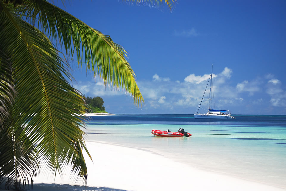 luxury seychelles yacht charter sailing holiday destination